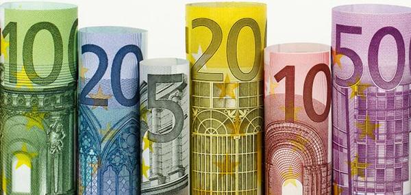 Euro, giornata ricca di spunti in attesa del meeting BCE