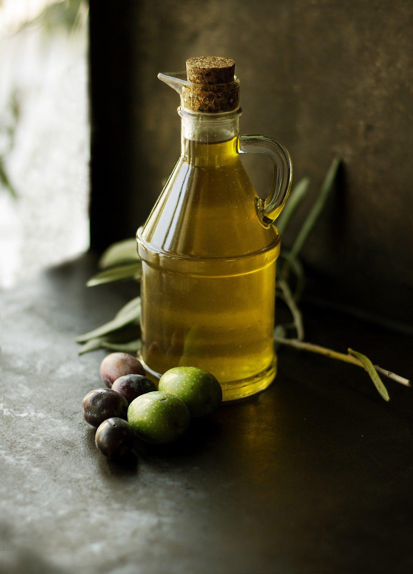olive-oil-1867229_1920