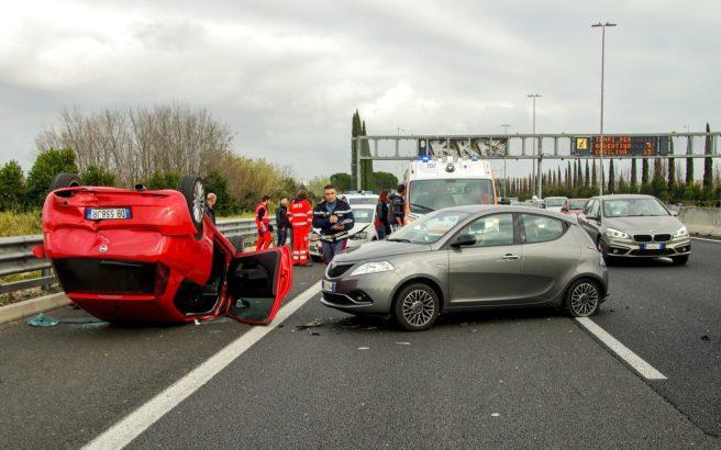 3 car-accident-2165210_1920